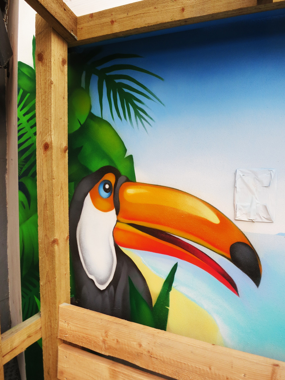 tiki-tropical-toucan-graffitimural-1000x1334